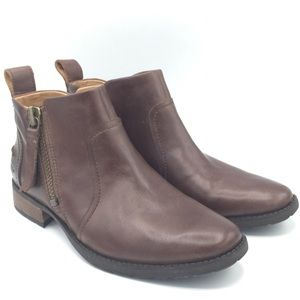 NWOB UGG Aureo Soft Leather Ankle Boots